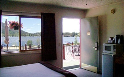 Queen/Double Lakeside Motel Room
