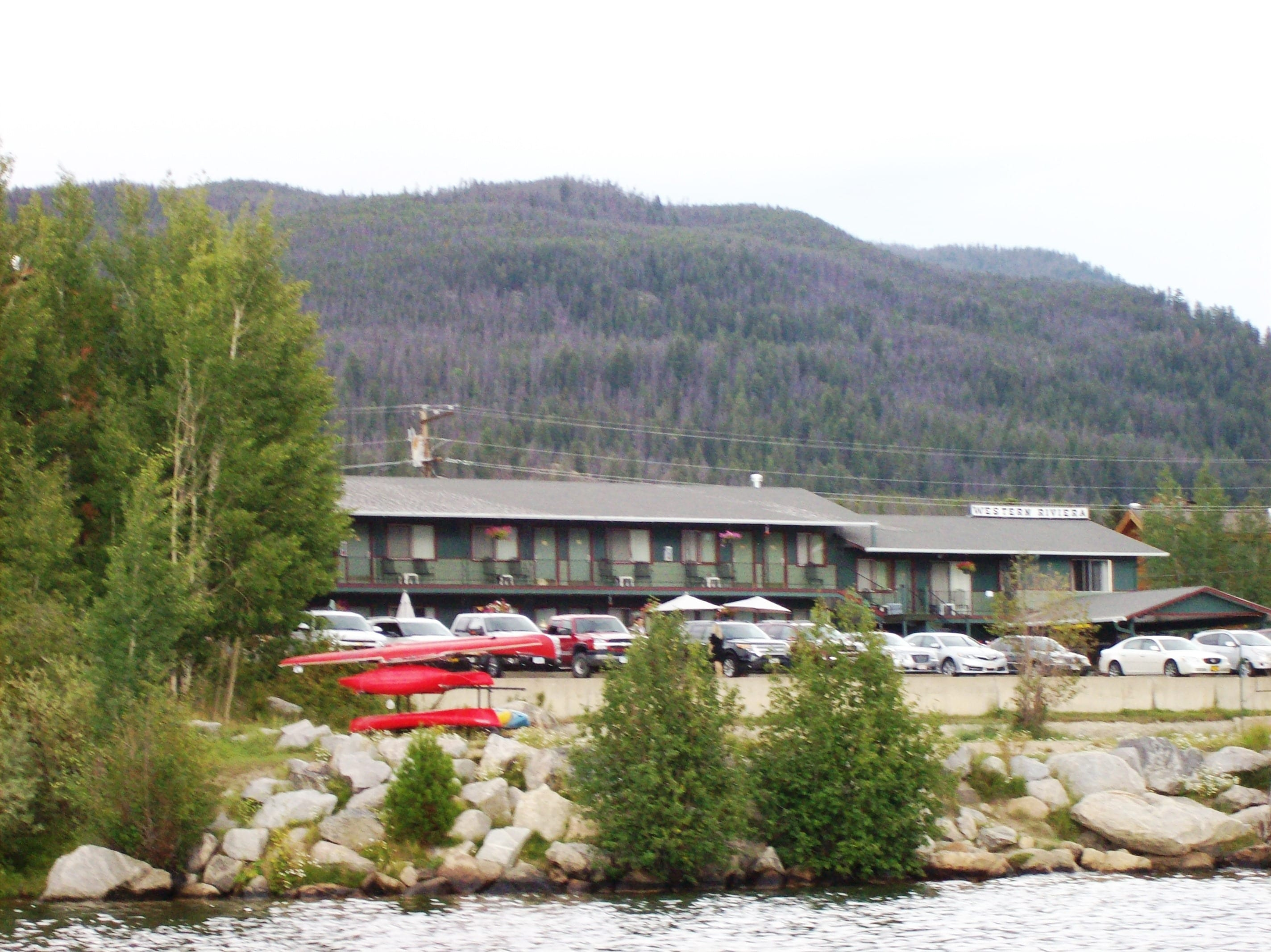 Western Riviera Lakeside Motel Overlooking Grand Lake, Colorado