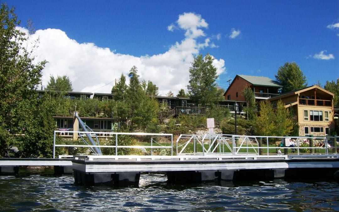 Lakeside Cabins Near Rocky Mountain National Park
